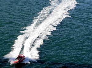 548715_boat_wake__4.jpg