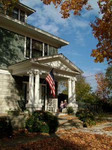 house_american_flag.jpg