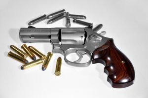 gun-and-bullets-1146529-m.jpg